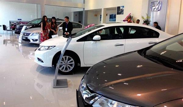 ô tô nội địa bán chạy hơn